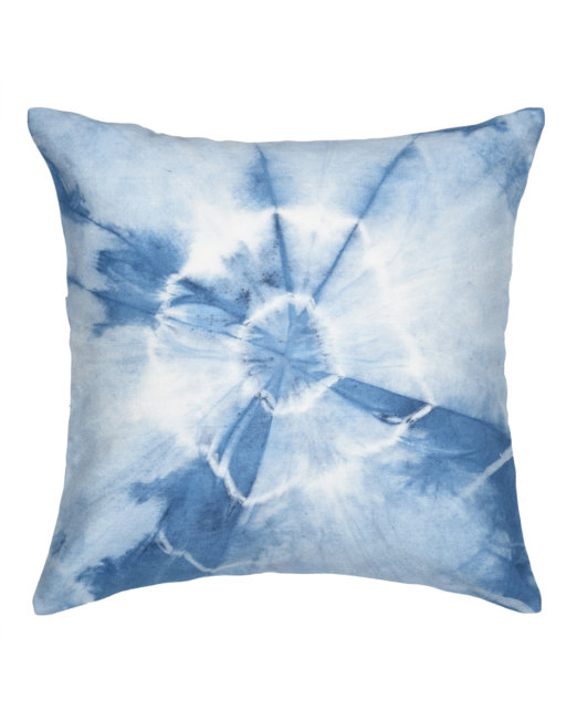 cushion_cover_tieNdye_natural_indigo_abstract_fan_front_view
